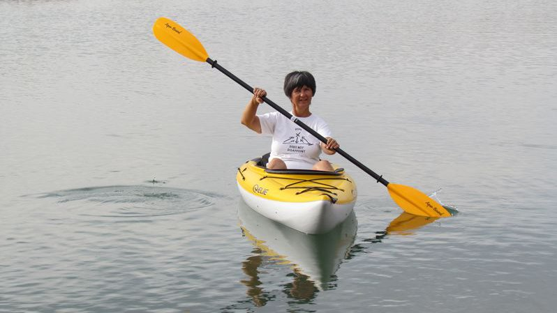 Paula Sa in her new kayak Elie Sound100 XE